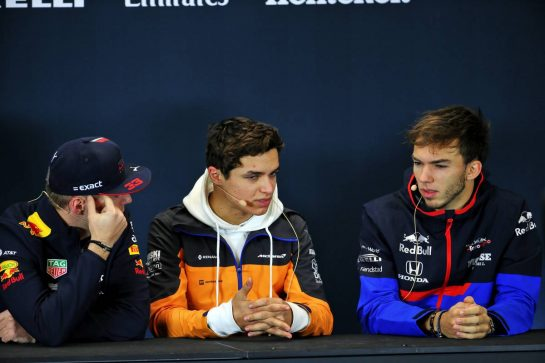 (L to R): Max Verstappen (NLD) Red Bull Racing; Lando Norris (GBR) McLaren; and Pierre Gasly (FRA) Scuderia Toro Rosso, in the FIA Press Conference.
