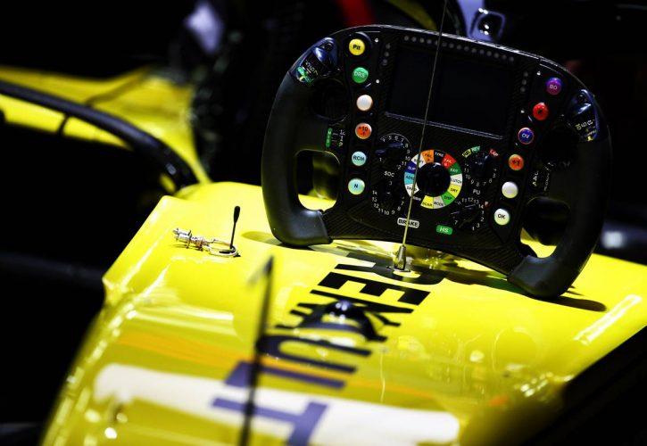 Renault F1 Team RS19 steering wheel. 29.03.2019.