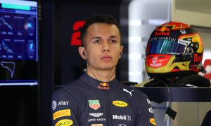 Red Bull Racing confirms Alex Albon for 2020!
