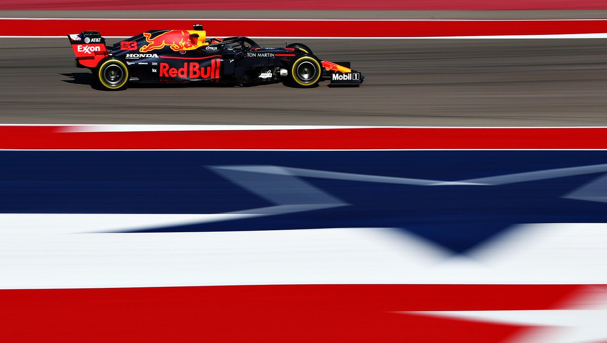 Lewis Hamilton wins sixth F1 world championship