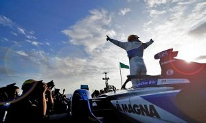 BMW Andretti's Alexander Sims celebrates victory in the second Dirirayh e-Prix