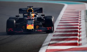 Verstappen takes top spot from Mercedes drivers in FP3
