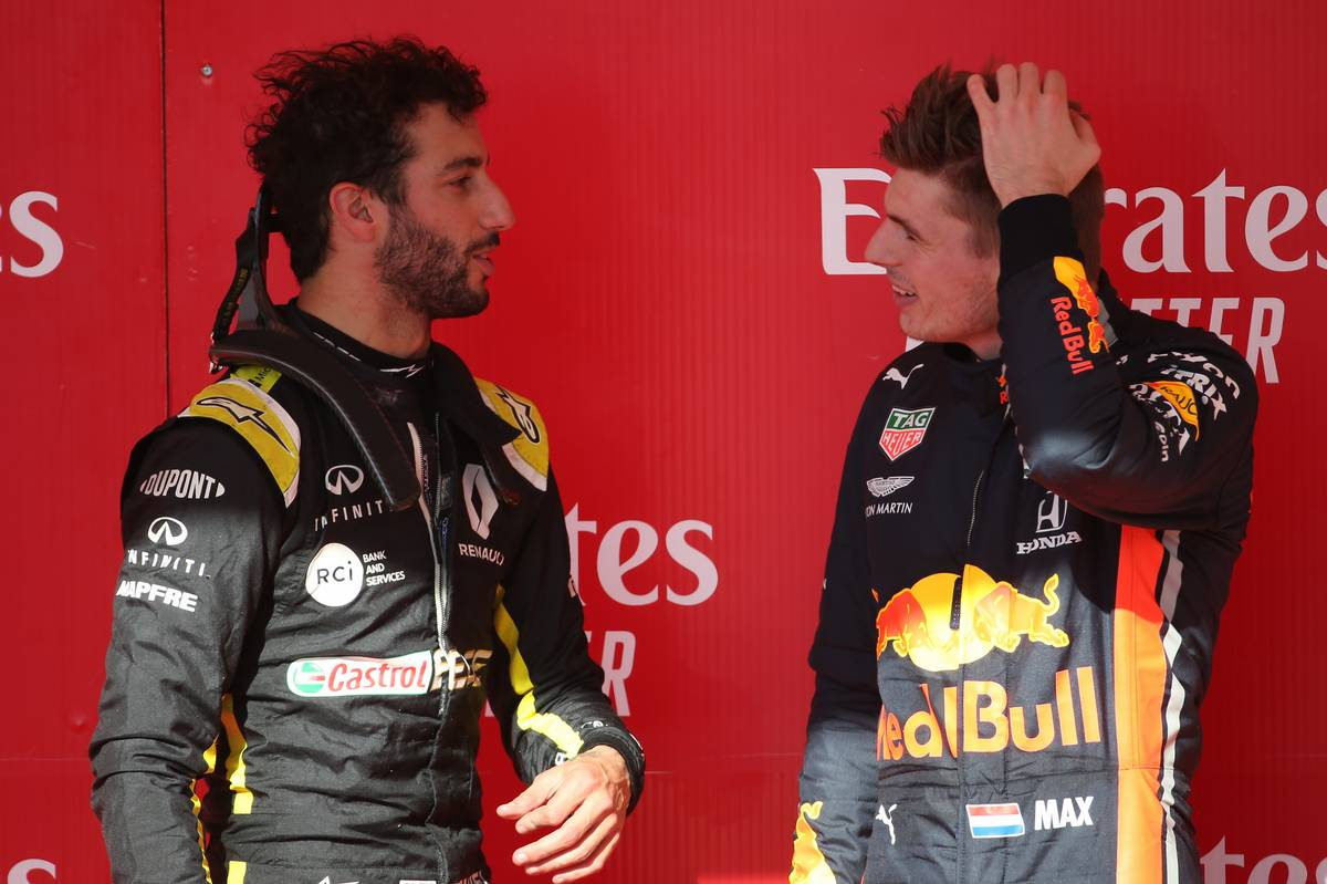 Daniel Ricciardo (AUS) Renault Sport F1 Team RS19 and Max Verstappen (NLD) Red Bull Racing RB15.