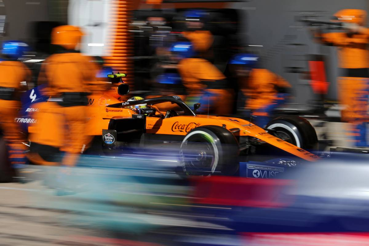 Lando Norris (GBR), McLaren F1 Team during pit stop