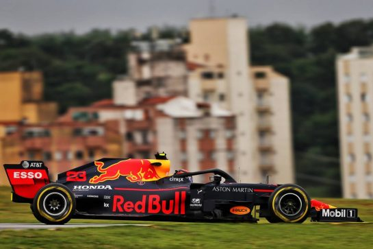 Alexander Albon (THA) Red Bull Racing RB15.