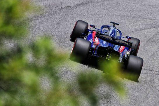 Daniil Kvyat (RUS) Scuderia Toro Rosso STR14. 16.11.2019. Formula 1 World Championship, Rd 20, Brazilian Grand Prix, Sao Paulo, Brazil, Qualifying Day. - www.xpbimages.com, EMail: requests@xpbimages.com © Copyright: Charniaux / XPB Images