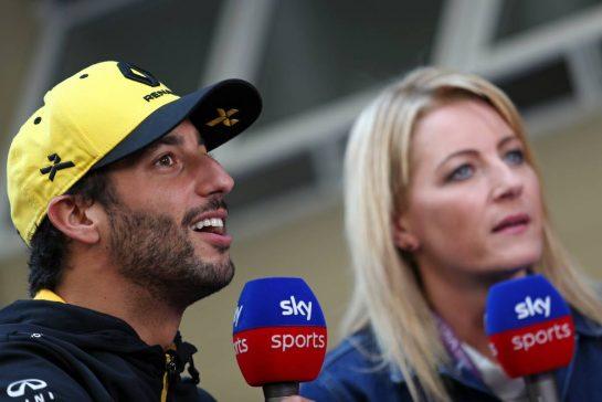 Daniel Ricciardo (AUS), Renault F1 Team 16.11.2019. Formula 1 World Championship, Rd 20, Brazilian Grand Prix, Sao Paulo, Brazil, Qualifying Day.- www.xpbimages.com, EMail: requests@xpbimages.com © Copyright: Charniaux / XPB Images