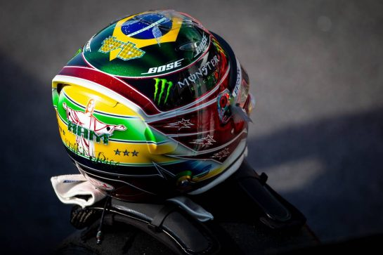 The helmet of Lewis Hamilton (GBR) Mercedes AMG F1. 16.11.2019. Formula 1 World Championship, Rd 20, Brazilian Grand Prix, Sao Paulo, Brazil, Qualifying Day. - www.xpbimages.com, EMail: requests@xpbimages.com © Copyright: Bearne / XPB Images