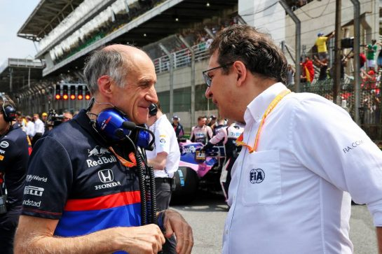 (L to R): Franz Tost (AUT) Scuderia Toro Rosso Team Principal with Nicholas Tombazis (GRE) FIA Head of Single-Seater Technical Matters on the grid. 17.11.2019. Formula 1 World Championship, Rd 20, Brazilian Grand Prix, Sao Paulo, Brazil, Race Day. - www.xpbimages.com, EMail: requests@xpbimages.com © Copyright: Batchelor / XPB Images