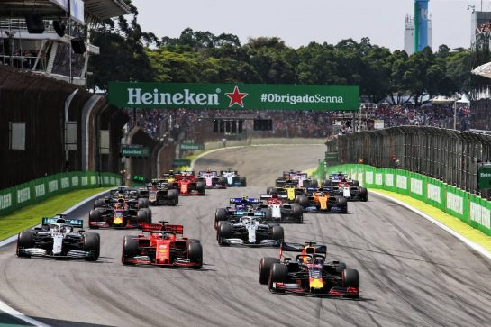 Max Verstappen (NLD) Red Bull Racing RB15 leads at the start of the race. 17.11.2019. Formula 1 World Championship, Rd 20, Brazilian Grand Prix, Sao Paulo, Brazil, Race Day. - www.xpbimages.com, EMail: requests@xpbimages.com © Copyright: Charniaux / XPB Images