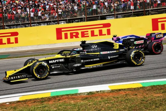 Daniel Ricciardo (AUS) Renault F1 Team RS19 and Lance Stroll (CDN) Racing Point F1 Team RP19 battle for position. 17.11.2019. Formula 1 World Championship, Rd 20, Brazilian Grand Prix, Sao Paulo, Brazil, Race Day. - www.xpbimages.com, EMail: requests@xpbimages.com © Copyright: Batchelor / XPB Images