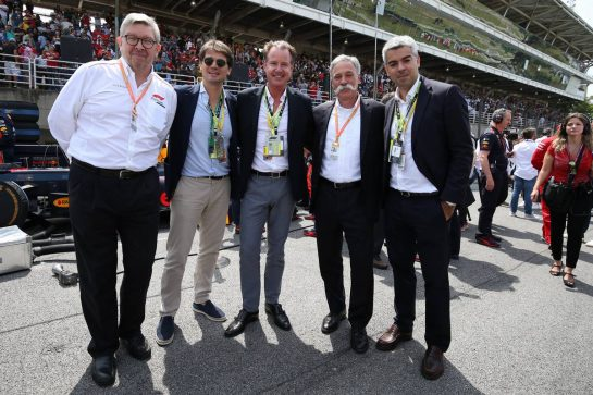 Arnaud Boetsch, Rolex with Ross Brawn, on the grid and Chase Carey (USA) Formula One Group Chairman.