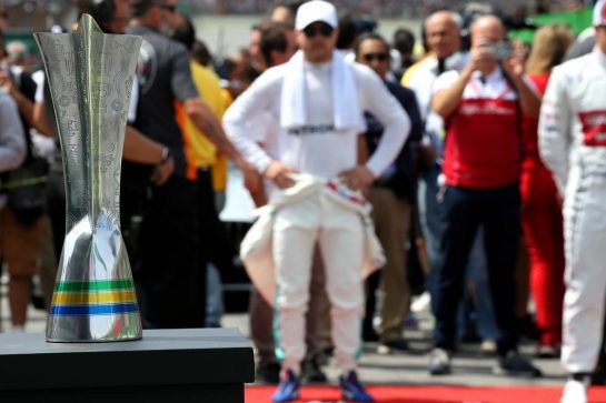Brazilian Grand Prix Trophy.17.11.2019. Formula 1 World Championship, Rd 20, Brazilian Grand Prix, Sao Paulo, Brazil, Race Day.- www.xpbimages.com, EMail: requests@xpbimages.com © Copyright: Batchelor / XPB Images