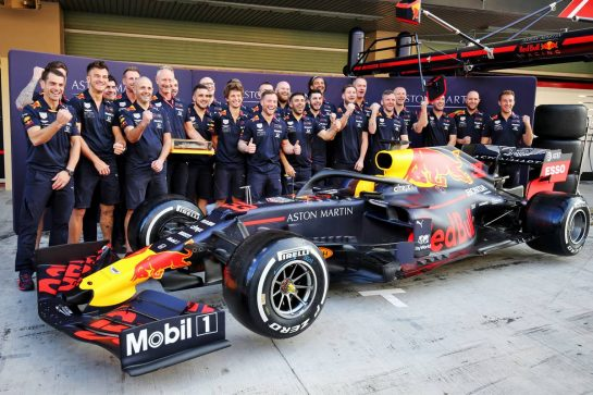 Red Bull Racing DHL Fastest Pit Stop team photograph.