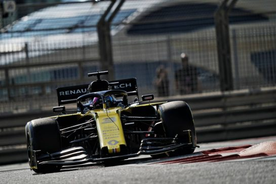 Daniel Ricciardo (AUS) Renault F1 Team RS19. 29.11.2019. Formula 1 World Championship, Rd 21, Abu Dhabi Grand Prix, Yas Marina Circuit, Abu Dhabi, Practice Day.  - www.xpbimages.com, EMail: requests@xpbimages.com © Copyright: Dungan / XPB Images