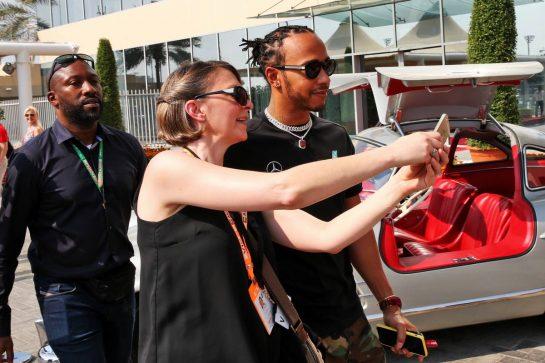 Lewis Hamilton (GBR) Mercedes AMG F1. 30.11.2019. Formula 1 World Championship, Rd 21, Abu Dhabi Grand Prix, Yas Marina Circuit, Abu Dhabi, Qualifying Day. - www.xpbimages.com, EMail: requests@xpbimages.com © Copyright: Batchelor / XPB Images