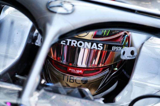 Lewis Hamilton (GBR) Mercedes AMG F1 W10. 30.11.2019. Formula 1 World Championship, Rd 21, Abu Dhabi Grand Prix, Yas Marina Circuit, Abu Dhabi, Qualifying Day. - www.xpbimages.com, EMail: requests@xpbimages.com © Copyright: Batchelor / XPB Images
