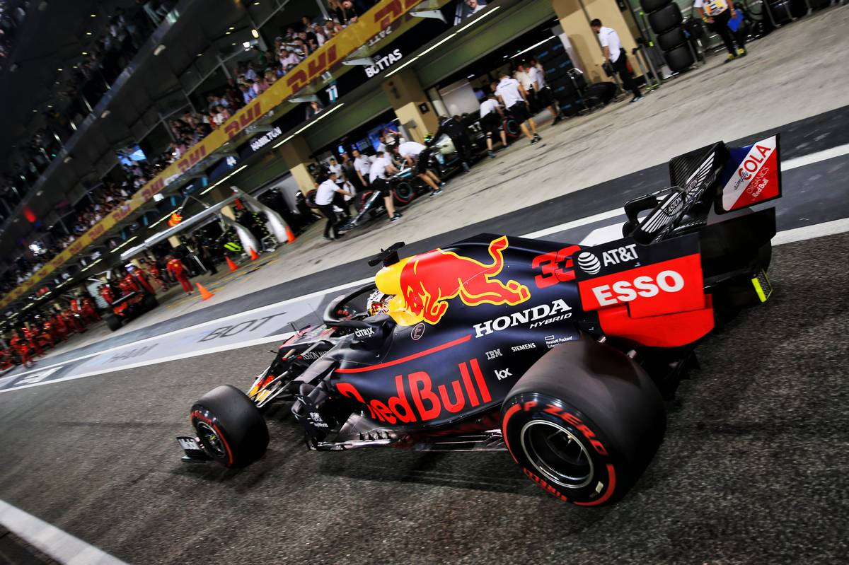 Max Verstappen (NLD) Red Bull Racing RB15.
