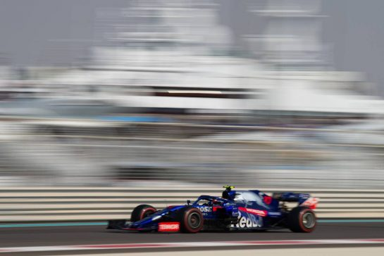Pierre Gasly (FRA) Scuderia Toro Rosso STR14. 30.11.2019. Formula 1 World Championship, Rd 21, Abu Dhabi Grand Prix, Yas Marina Circuit, Abu Dhabi, Qualifying Day.  - www.xpbimages.com, EMail: requests@xpbimages.com © Copyright: Bearne / XPB Images