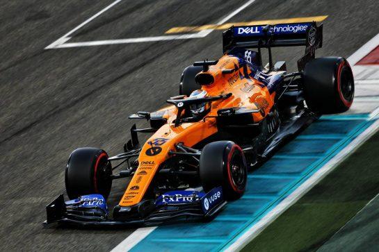 Carlos Sainz Jr (ESP) McLaren MCL34. 30.11.2019. Formula 1 World Championship, Rd 21, Abu Dhabi Grand Prix, Yas Marina Circuit, Abu Dhabi, Qualifying Day. - www.xpbimages.com, EMail: requests@xpbimages.com © Copyright: Moy / XPB Images