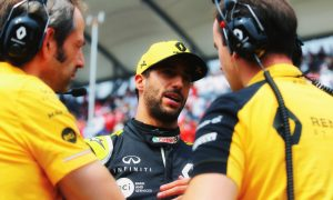 Ricciardo keen on 'team building' away from the track with Renault