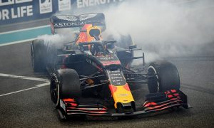 Verstappen's finale hopes throttled by engine glitch