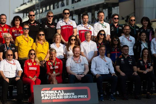 End of year Press Officers photograph. 01.12.2019. Formula 1 World Championship, Rd 21, Abu Dhabi Grand Prix, Yas Marina Circuit, Abu Dhabi, Race Day.  - www.xpbimages.com, EMail: requests@xpbimages.com © Copyright: Bearne / XPB Images