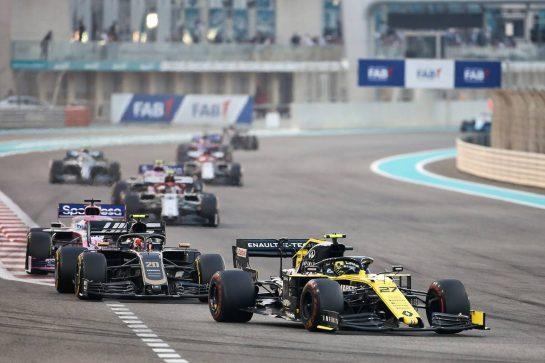 Nico Hulkenberg (GER) Renault F1 Team RS19. 01.12.2019. Formula 1 World Championship, Rd 21, Abu Dhabi Grand Prix, Yas Marina Circuit, Abu Dhabi, Race Day. - www.xpbimages.com, EMail: requests@xpbimages.com © Copyright: Charniaux / XPB Images