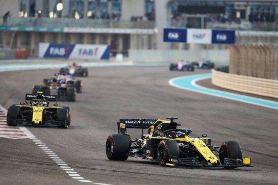 Daniel Ricciardo (AUS) Renault F1 Team RS19. 01.12.2019. Formula 1 World Championship, Rd 21, Abu Dhabi Grand Prix, Yas Marina Circuit, Abu Dhabi, Race Day. - www.xpbimages.com, EMail: requests@xpbimages.com © Copyright: Charniaux / XPB Images