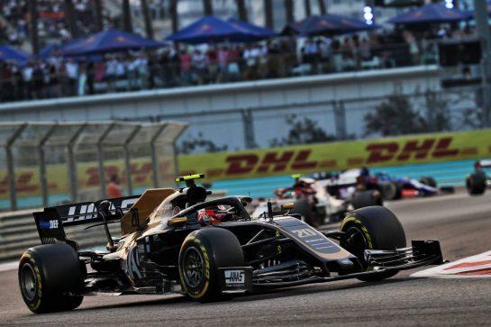Kevin Magnussen (DEN) Haas VF-19. 01.12.2019. Formula 1 World Championship, Rd 21, Abu Dhabi Grand Prix, Yas Marina Circuit, Abu Dhabi, Race Day. - www.xpbimages.com, EMail: requests@xpbimages.com © Copyright: Batchelor / XPB Images