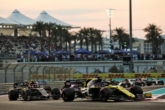 Daniel Ricciardo (AUS) Renault F1 Team RS19. 01.12.2019. Formula 1 World Championship, Rd 21, Abu Dhabi Grand Prix, Yas Marina Circuit, Abu Dhabi, Race Day. - www.xpbimages.com, EMail: requests@xpbimages.com © Copyright: Batchelor / XPB Images