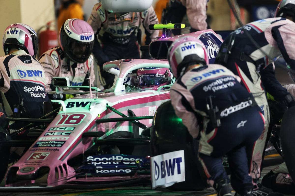 Lance Stroll (CDN) Racing Point F1 Team RP19 makes a pit stop.