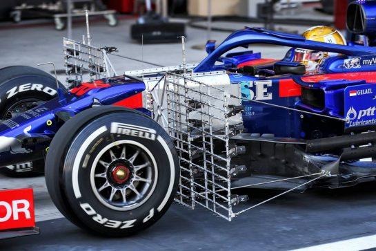Sean Gelael (IDN) Scuderia Toro Rosso STR14 Test Driver - sensor equipment. 03.12.2019. Formula 1 Testing, Yas Marina Circuit, Abu Dhabi, Tuesday. - www.xpbimages.com, EMail: requests@xpbimages.com © Copyright: Batchelor / XPB Images
