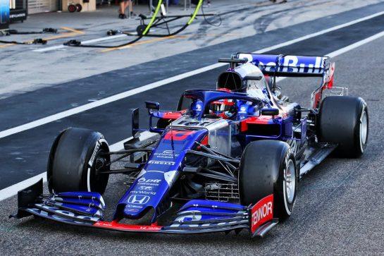 Pierre Gasly (FRA) Scuderia Toro Rosso STR14. 04.12.2019. Formula 1 Testing, Yas Marina Circuit, Abu Dhabi, Wednesday. - www.xpbimages.com, EMail: requests@xpbimages.com © Copyright: Batchelor / XPB Images