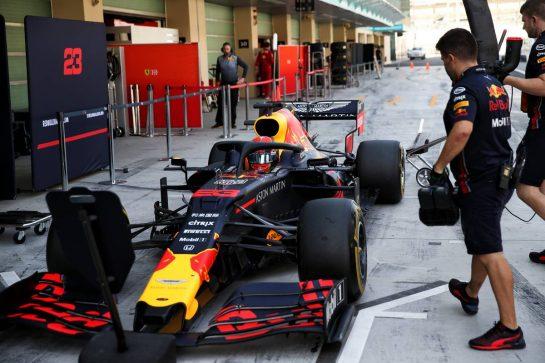 04.12.2019. Formula 1 Testing, Yas Marina Circuit, Abu Dhabi, Wednesday. - www.xpbimages.com, EMail: requests@xpbimages.com © Copyright: Batchelor / XPB Images