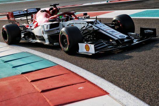 Antonio Giovinazzi (ITA) Alfa Romeo Racing C38. 04.12.2019. Formula 1 Testing, Yas Marina Circuit, Abu Dhabi, Wednesday. - www.xpbimages.com, EMail: requests@xpbimages.com © Copyright: Batchelor / XPB Images