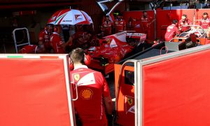 FIA forces F1 teams to ditch garage screens during testing