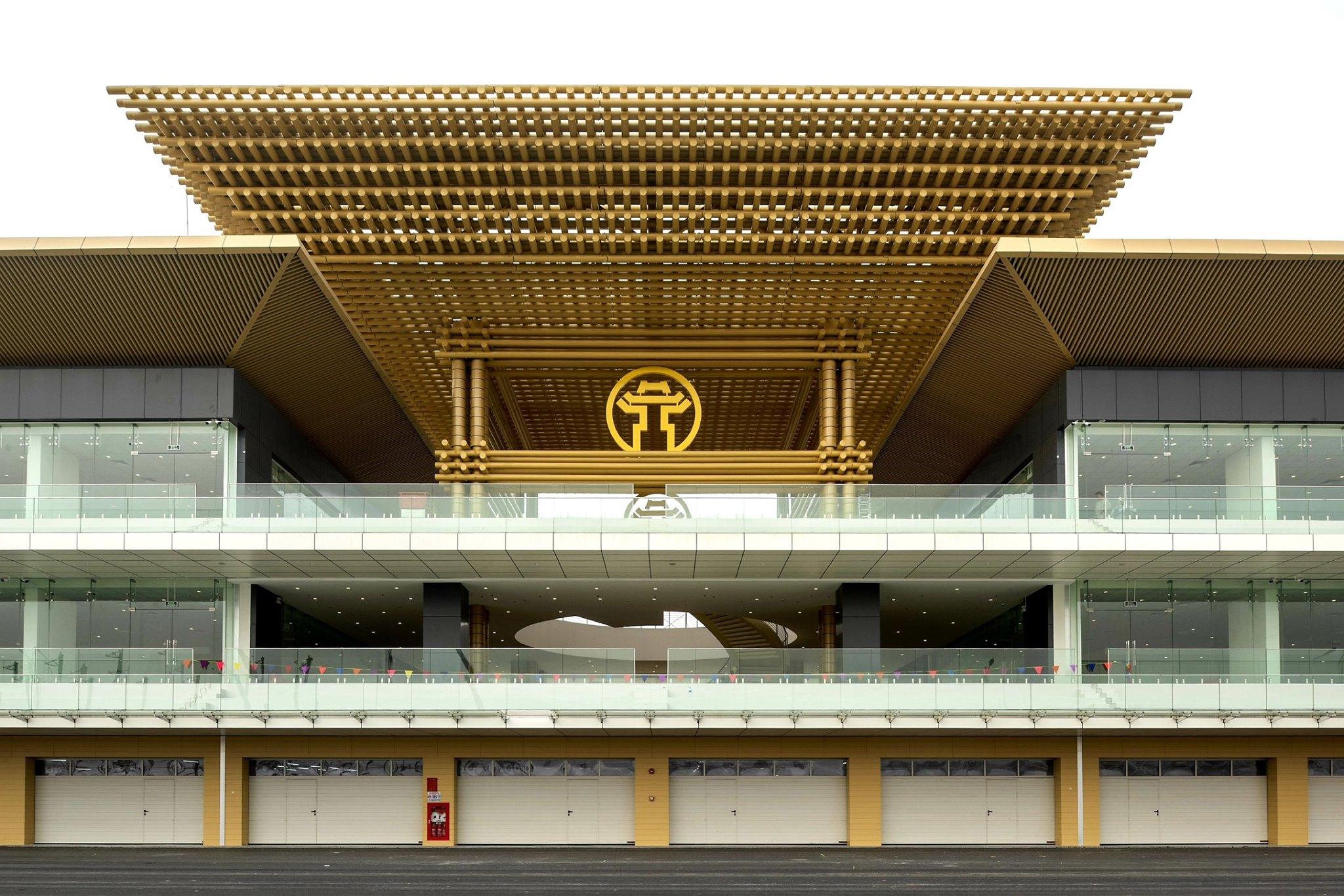 На трассе в Ханое достроили здания боксов к Гран-при Вьетнама