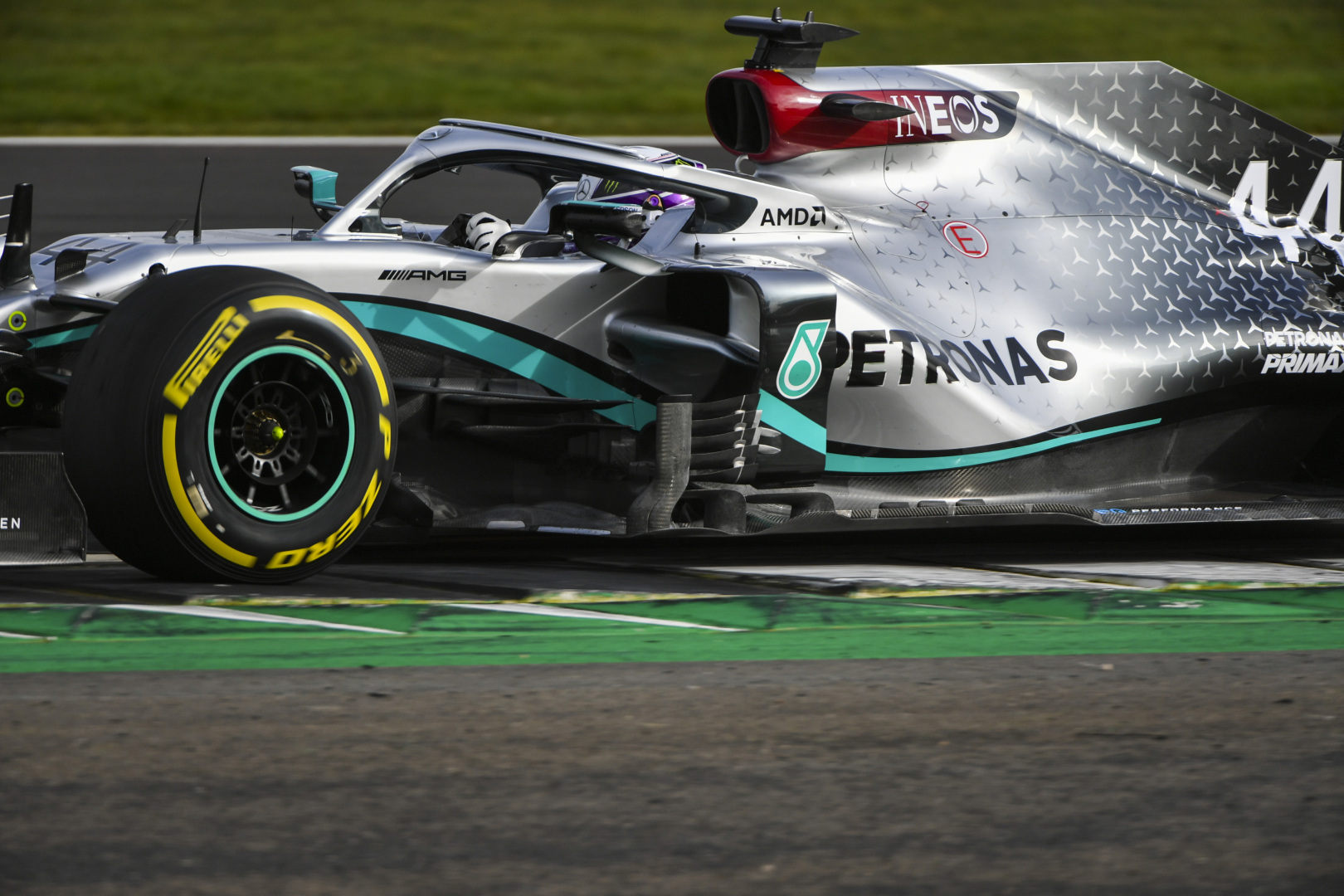 Mercedes aiming to conquer cooling concerns with W11 - F1i.com