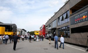 Horner at odds with Brawn's plans to scrap F1 motorhomes