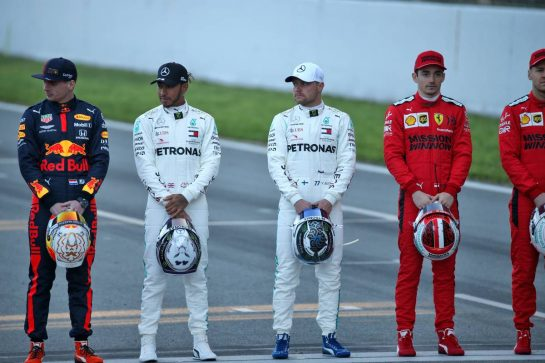 (L to R): Max Verstappen (NLD) Red Bull Racing; Lewis Hamilton (GBR) Mercedes AMG F1; Valtteri Bottas (FIN) Mercedes AMG F1; Charles Leclerc (MON) Ferrari, at a drivers group photograph. 19.02.2020. Formula One Testing, Day One, Barcelona, Spain. Wednesday. - www.xpbimages.com, EMail: requests@xpbimages.com © Copyright: Batchelor / XPB Images