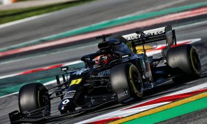 Renault team debuts new R.S.20 in Barcelona