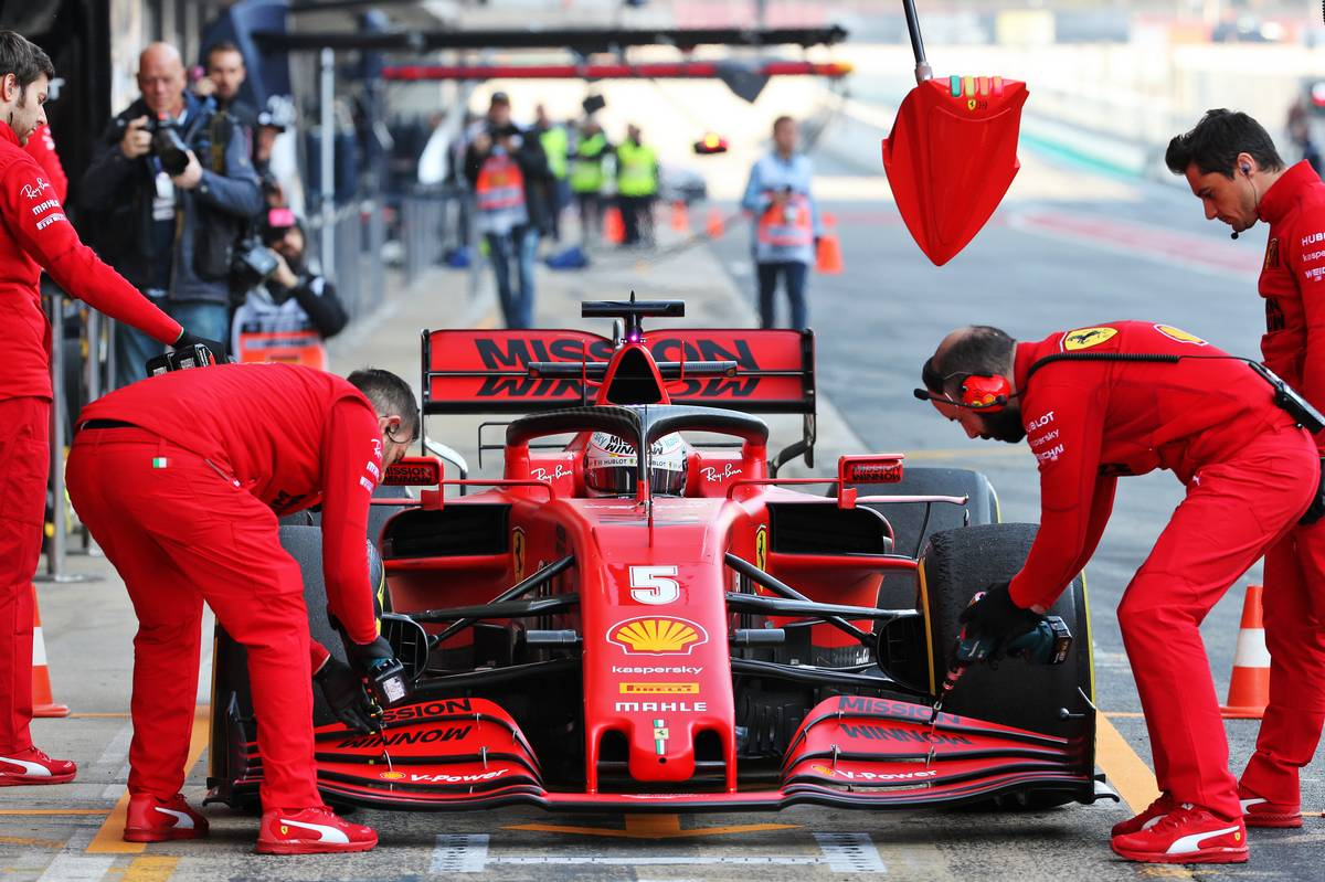 Ferrari identifies cause of Vettel's engine failure