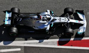 Bottas and Hamilton dominate final day of week 1