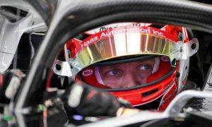 Magnussen: Albert Park track 'doesn't suit my driving style'