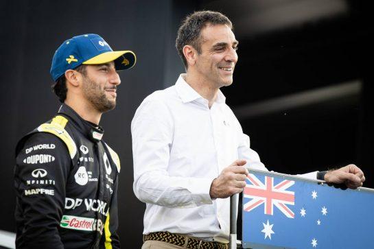 (L to R): Daniel Ricciardo (AUS) Renault F1 Team with Cyril Abiteboul (FRA) Renault Sport F1 Managing Director - livery reveal. 11.03.2020. Formula 1 World Championship, Rd 1, Australian Grand Prix, Albert Park, Melbourne, Australia, Preparation Day. - www.xpbimages.com, EMail: requests@xpbimages.com © Copyright: Bearne / XPB Images