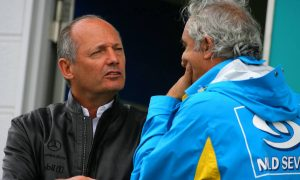Briatore: 'Arrogant' Dennis just in the right place at the right time