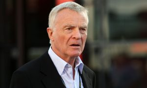 Mosley sides with Ecclestone: calls on F1 to scrap season!