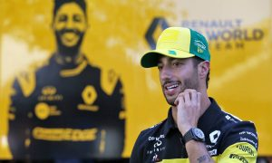 Ricciardo no fan of 'messy' reverse-grid idea