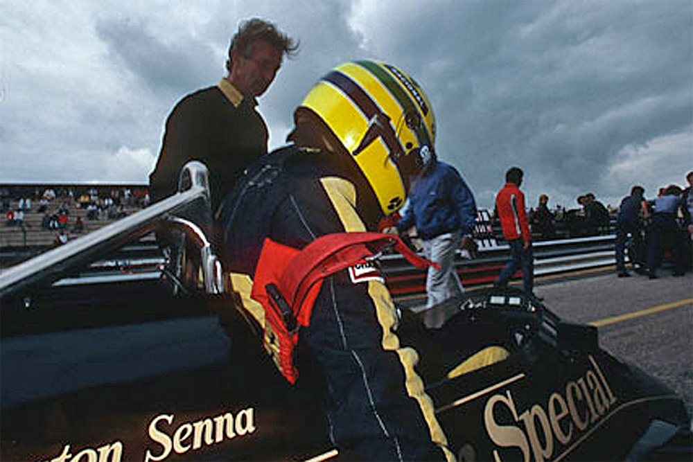 Ayrton Senna takes his seat on the starting grid for the 1985 Dutch Grand Prix at Zandvoort.